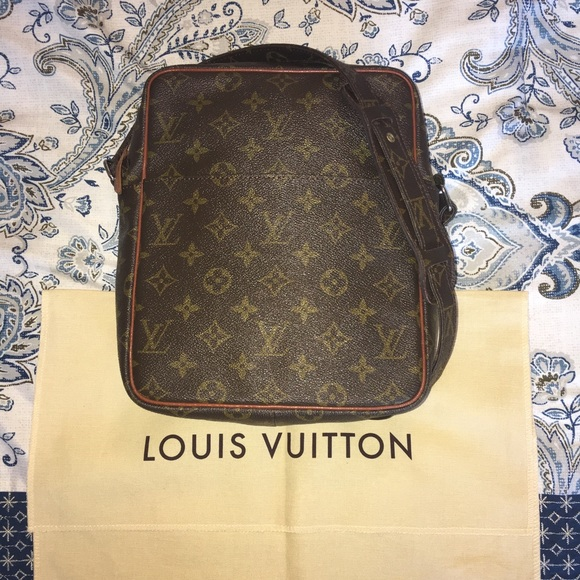 e1a50ddd8b5d Louis Vuitton Handbags - Louis Vuitton Petit Marceau
